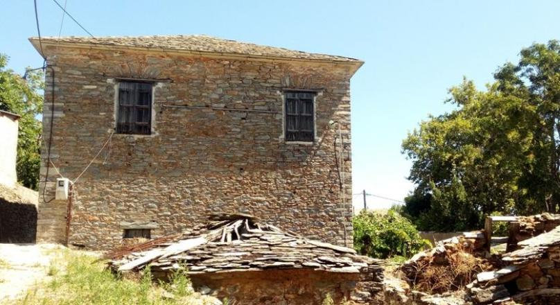 Traditional stone house in Neochori