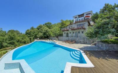 State-of-the-art guesthouse with stunning Aegean Sea views in Mouresi