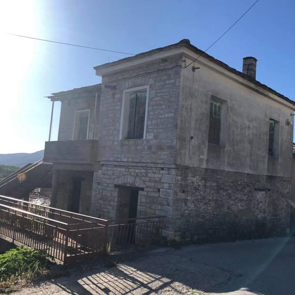 Προς πώληση παραδοσιακή πέτρινη κατοικία στο Νεοχώρι
