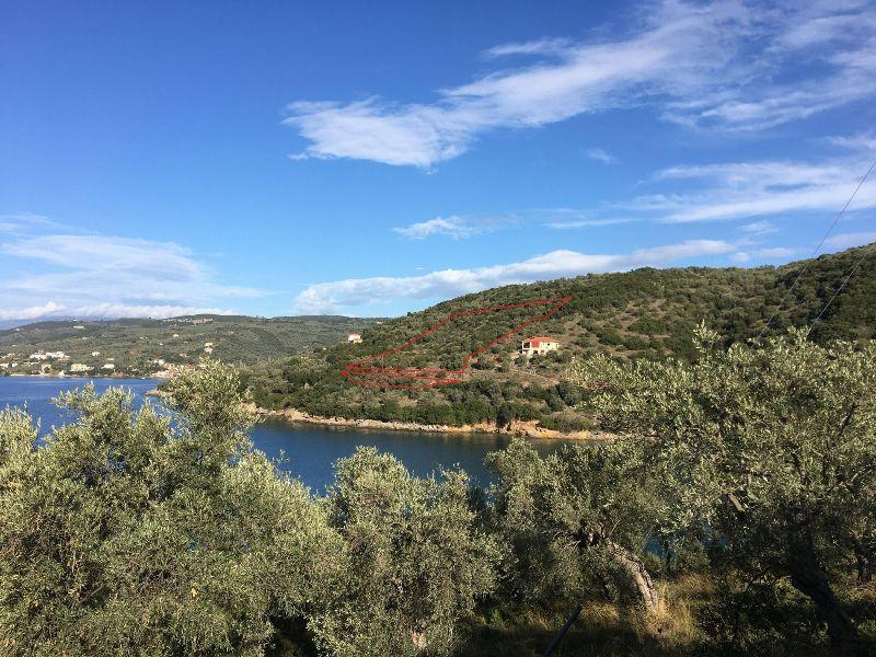 Buildable land plot with sea view in Vathia Spilia