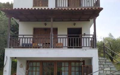 Εξοχική κατοικία με θέα θάλασσας στον Κάλαμο